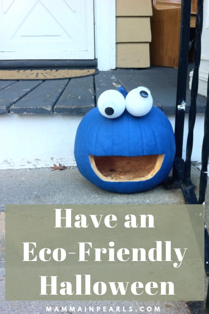 Use these tips and tricks to make your Halloween more eco-friendly this year!